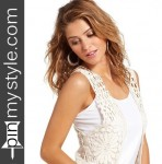 02-promo-womens-white-crochet-fringe-top-dark-blue-jeans